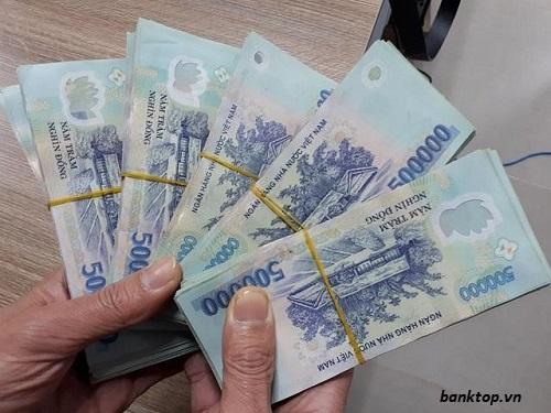 Gửi tiết kiệm tại ngân hàng